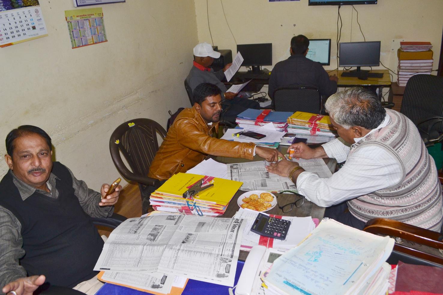 -   video दिल्ली से आई छह सदस्यीय टीम, नपा में दस्तावेज चैक कर अलग-अलग स्थानों पर लिया फीडबैक