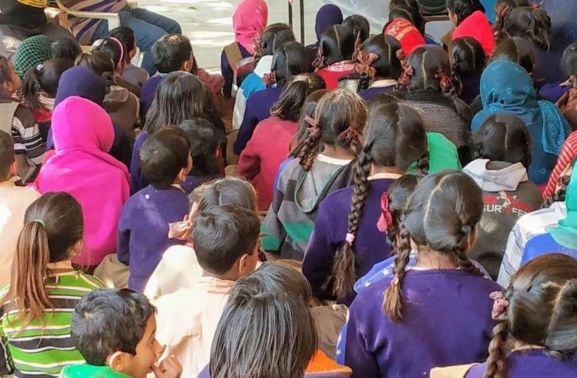 पीएम मोदी के ये बोल बचा सकते हैं कोटा में मरते छात्रों की जान