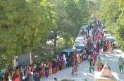 GD कॉलेज में घंटों लाइन में खड़ी रही छात्राएं, जब नंबर आया तो बंदी कर दी खिडक़ी, हुई ऐसी हालत