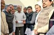 शहीद के परिजनों की मदद के लिए ऊर्जामंत्री ने बढ़ाए हाथ, वेतन से दी आर्थिक मदद