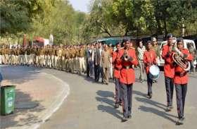 PHOTO GALLERY : नई सरकार में पहली बार पुलिस बैंड के साथ वंदे मातरम्