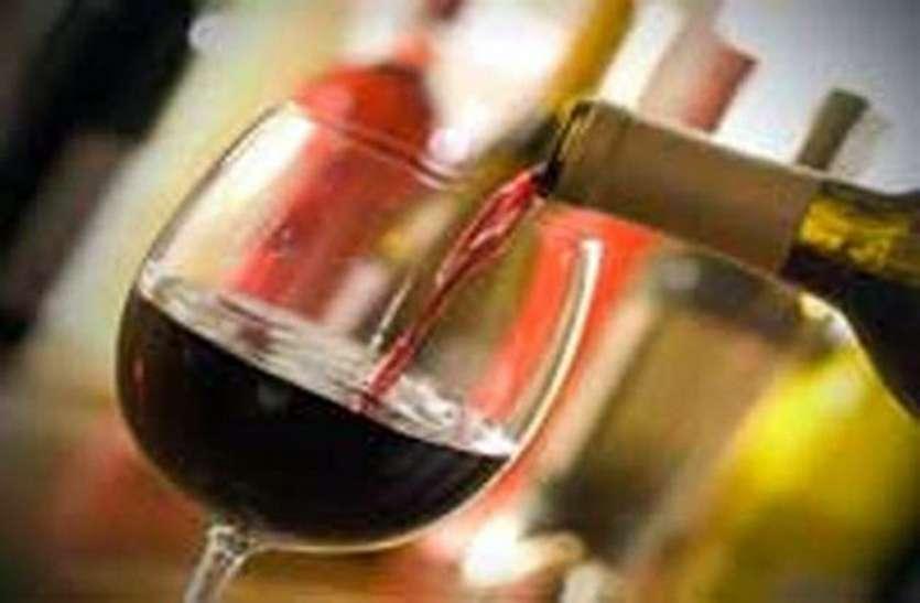 गांव गांव बिक रही अवैध शराब