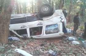तेज रफ्तार स्कार्पियो पेड़ से टकराकर पलटी, एक की मौत तीन घायल