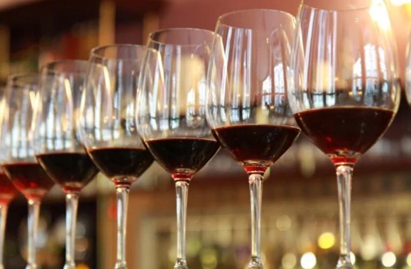 शराब पीना होगा महंगा, लाइसेंस फीस बढ़ाने की तैयारी