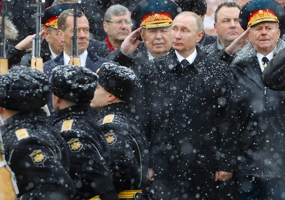 रूस ये तय नहीं कर पा रहा कि वह 'अमीर' है या 'गरीब'