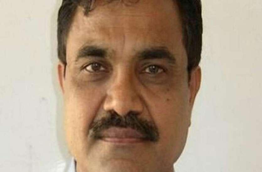 भीमा कोरेगांव हिंसा: लेखक और कार्यकर्ता आनंद तेलतुंबडे को पुलिस ने किया गिरफ्तार, नक्सलियों से लिंक होने का शक