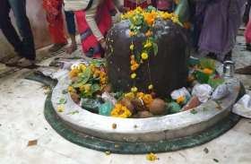 Photos:सोमती,मोनी अमावस्या पर,शिव मंदिरों में पहुँचे हज़ारों भक्त मांगी मुरादें