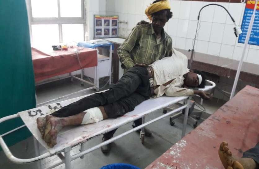 त्रिवेणी संगम में डुबकी लगाने जा रहा युवक बाइक की टक्कर से घायल