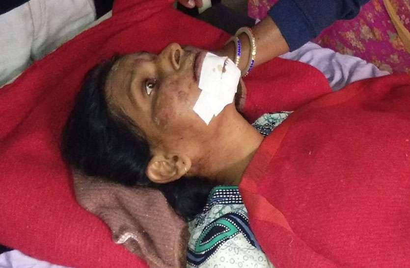 पति व पुत्र को खो चुकी मां ने घटना के 32 घंटे बाद भी नहीं झपकाईं आंखें, झर-झर टपक रहे आंसू