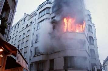 पेरिस: इमारत में आग लगने के कारण मरने वालों की संख्या बढ़कर 10 हुई