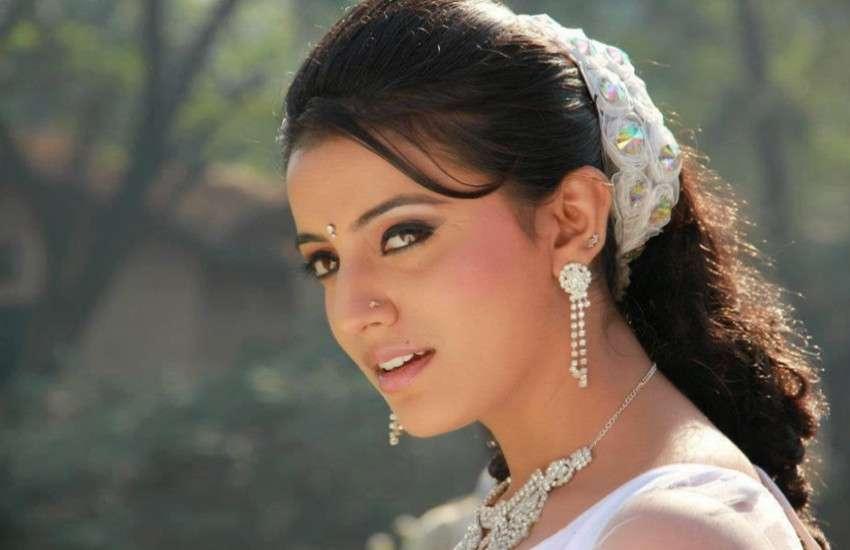 Bhojpuri star khesari lal yadav and Akshara singh romantic