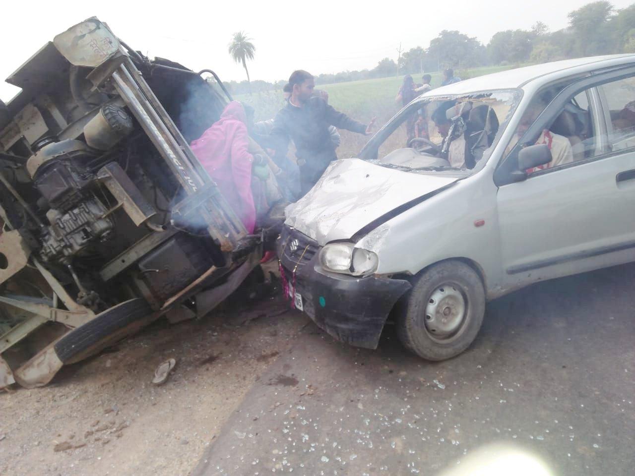 video सवारी ऑटों और अल्टो कार आपस में टकटाईएकई लोग घायल