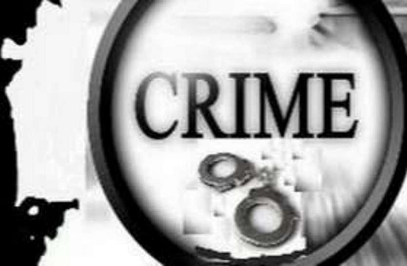 मारपीट करने के मामले में तीन आरोपियों को न्यायालय उठने तक की सजा