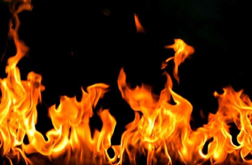 कसबा में इमारत में लगी आग