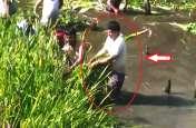BJP विधायक खुद साफ कर रहे नाले से भी गंदी नदी, जमकर हो रही तारीफ