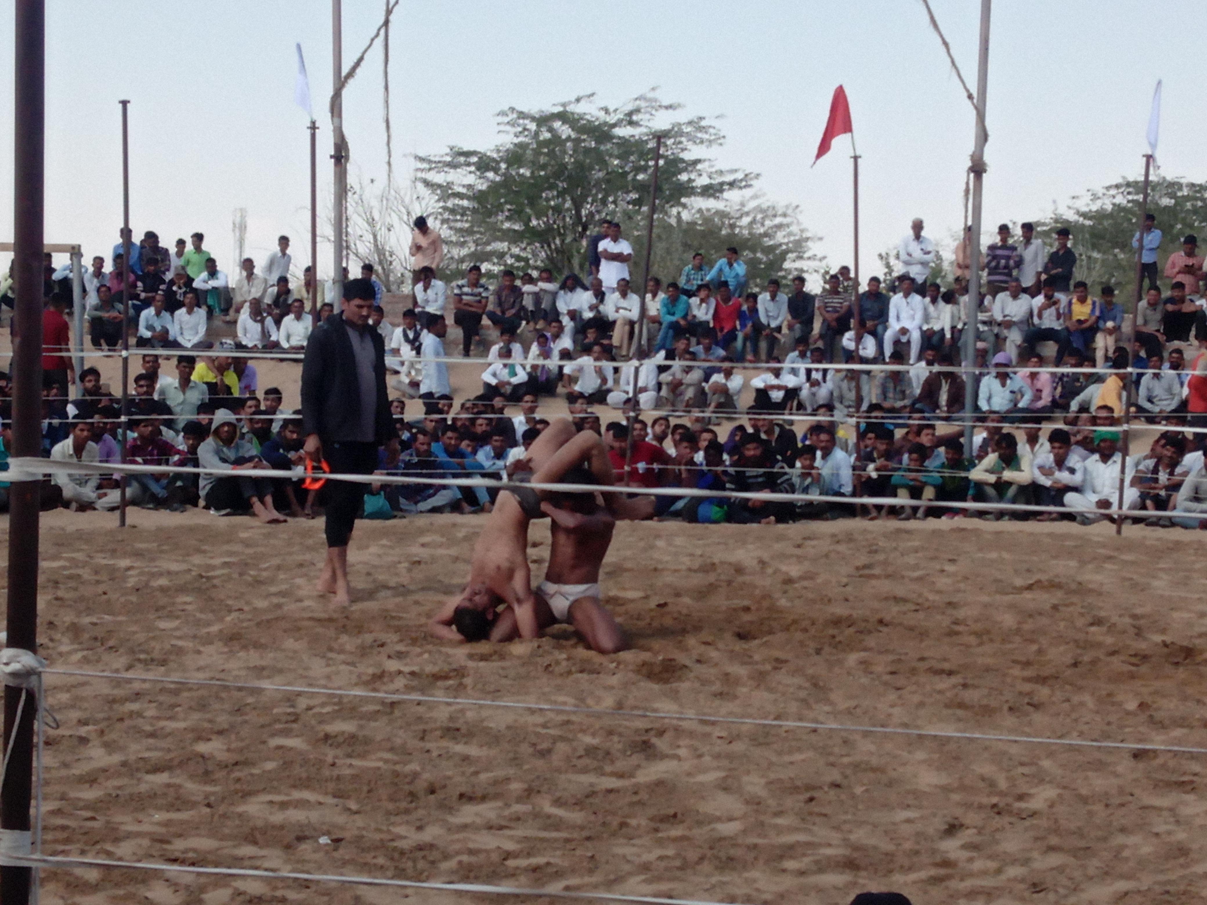 सूडसर में कुश्ती महादगल