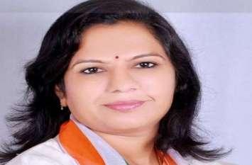 कांग्रेस को गुजरात में बड़ा झटका, पूर्व विधायक आशाबेन ने थामा भाजपा का दामन