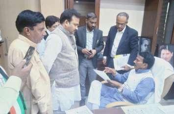Political News ऐसी क्या वजह बनी कि मध्यप्रदेश और राजस्थान के सीएम करेंगे चर्चा
