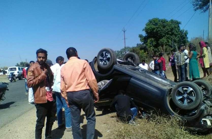 स्कूल से बंक मारकर घूमने निकले दो छात्र कार की चपेट में आए, एक की मौत