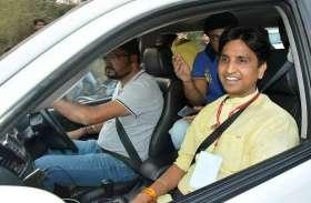 इस शानदार SUV में चलते हैं कुमार विश्वास, कीमत जानकर उड़ जाएंगे होश