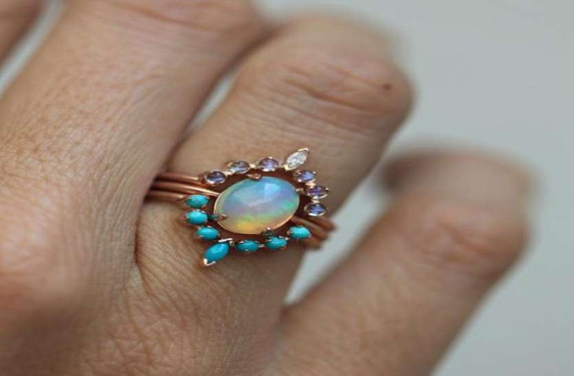 महज 925 रुपये में खरीदी कांच की अंगूठी, 68 करोड़ में हुई नीलाम