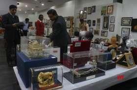 पीएम नरेंद्र मोदी को उपहार में मिली वस्तुओं की हुई नीलामी, 5 हजार की मूर्ति 10 लाख में बिकी