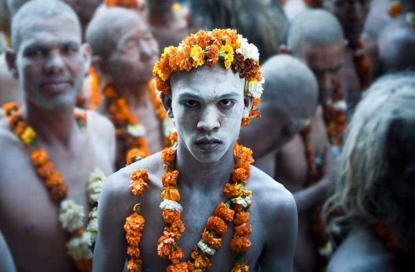 कठिन परिस्थितियों में से होकर गुजरती है नागा बाबाओं की जिंदगी, मृत्यु होने पर लाश के साथ होता है यह काम