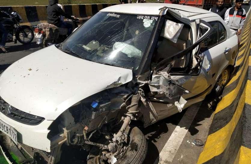 ट्रक चालक ने लगाए ब्रेक, कार डिवाइडर से टकराई, मासूम की मौत