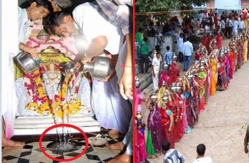 माता शीतला के मंदिर में स्थापित है ये 'चमत्कारी घड़ा', 800 सालों से लोग भर रहे पानी लेकिन...
