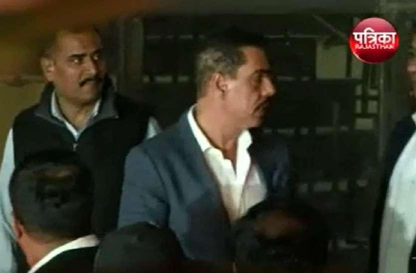 VIDEO- जयपुर में रॉबर्ट वाड्रा से कल फिर होगी पूछताछ, आज दिनभर क्या पूछताछ हुई ?, जानिए..