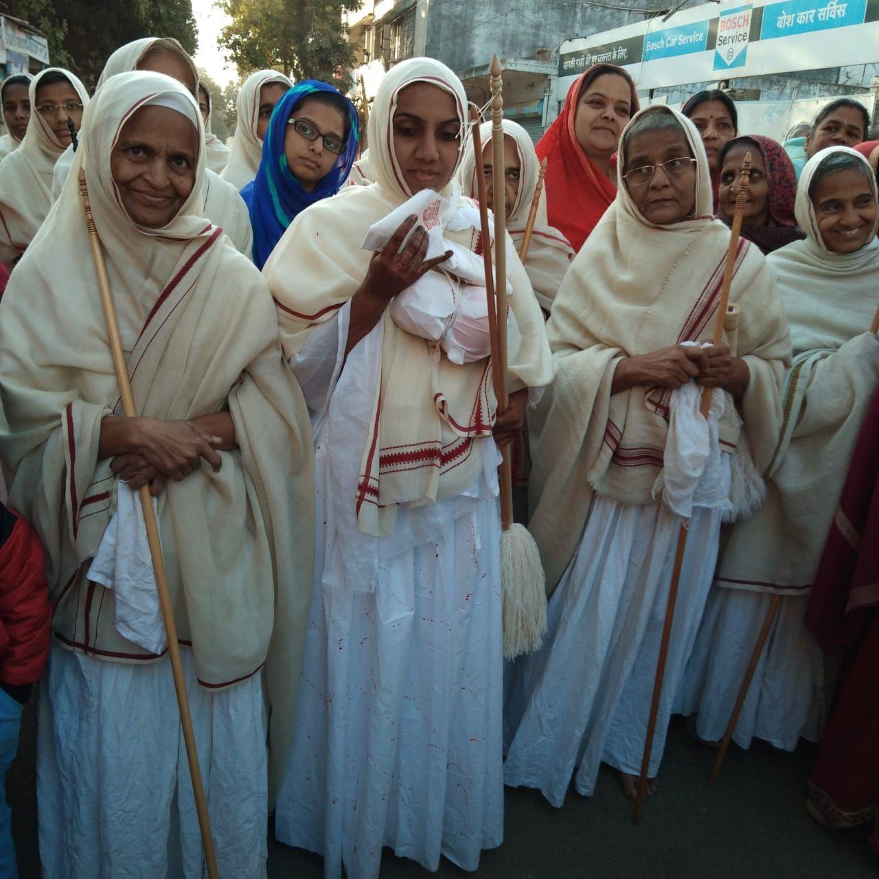 मानव जीवन में मोक्ष के लिये दीक्षा एक अनमोल गहना है -साध्वी अमीपूर्णा श्रीजी मसा.