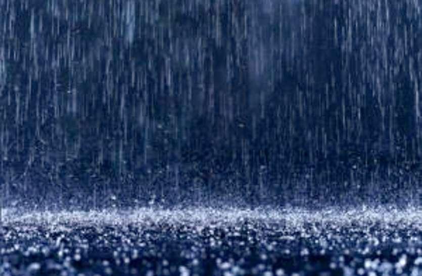 'वायु' का असर : मध्यप्रदेश में प्री-मानसून की बारिश से लुढ़का तापमान, उमस ने किया बेहाल
