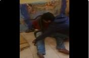 Viral: पूछताछ के दौरान पुलिस ने बंदी के साथ की ऐसी हरकत, Video में कैद हुआ पूरा मंज़र