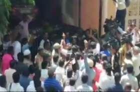 कर्नाटक: भाजपा विधायक के घर पर पत्थरों से हमला, JDS कार्यकर्ताओं पर लगा आरोप