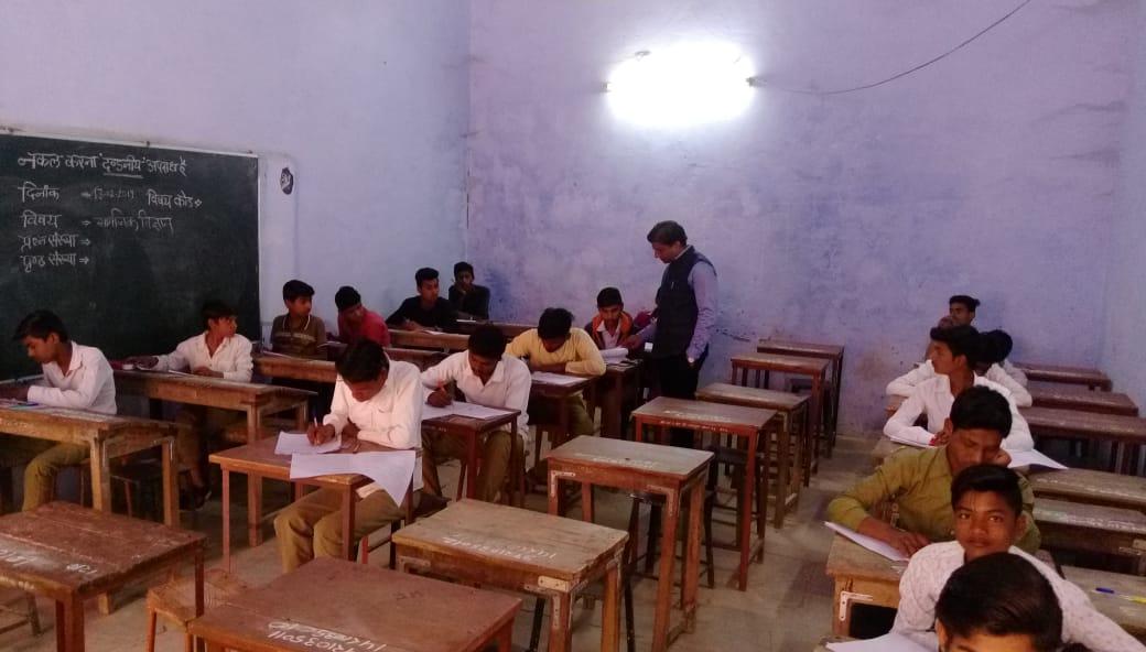 जिले के सभी छात्रावासों में जल्द होगी इंटरनेट की सुविधा