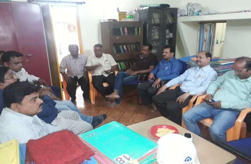 बीएसपी कर्मी के शव का 10 दिन से नहीं हुआ अंतिम संस्कार, श्रमिक नेता भड़के