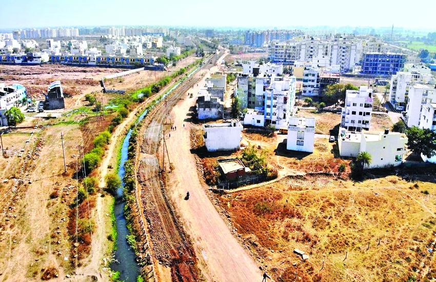 मंत्री ने कहा- 12 महीने में बनाओ 12 किमी सड़क, कंपनी 3 माह में एक किमी भी नहीं बना पाई