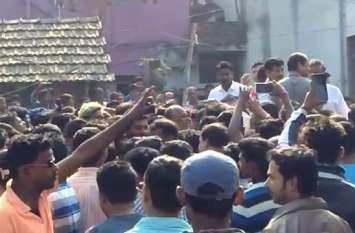 पश्चिम बंगाल: राधा-कृष्ण मंदिर में संकीर्तन रोकने से भडक़े लोग
