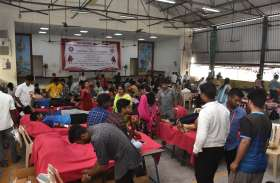 डीजी वैष्णव कॉलेज में हुआ 2019 यूनिट का रक्तदान