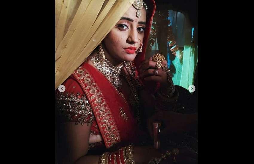 Bhojpuri Actress Akshara Singh Sexy Dance Video Goes Viral