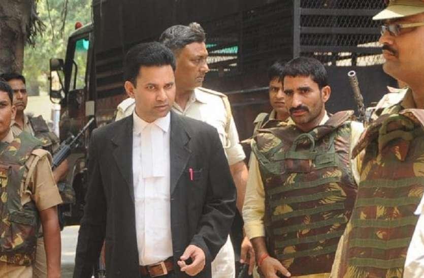 बड़ी खबर: इस कुख्यात ने अदालत परिसर में 'दुल्हन' से की मंगनी, पुलिस अधिकारी भी देखते रह गए