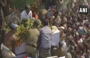 शहीदों का अंतिम संस्कार, लोगों में गुस्सा, पाकिस्तान के खिलाफ जमकर नारेबाजी