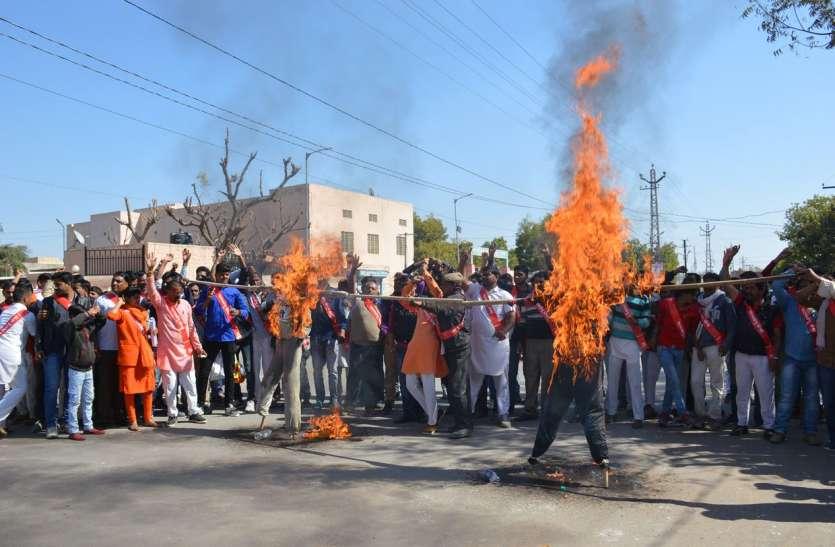 ' वहां कश्मीर में सैनिक जिदंगी दे गए अपनी...'
