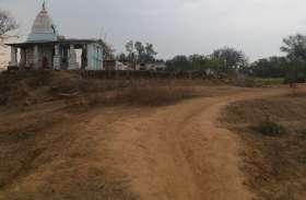 इंटरनेशनल खिलाड़ी इश्र्वर पांडेय के गांव में सुविधाओं का टोटा, इसी गांव में हजारलिंगी शिवमंदिर, पढि़ए पूरी खबर