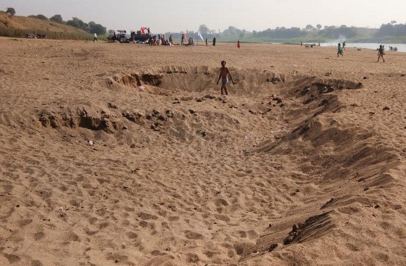 रेत के अवैध परिवहन पर नहीं हो रही कार्रवाई