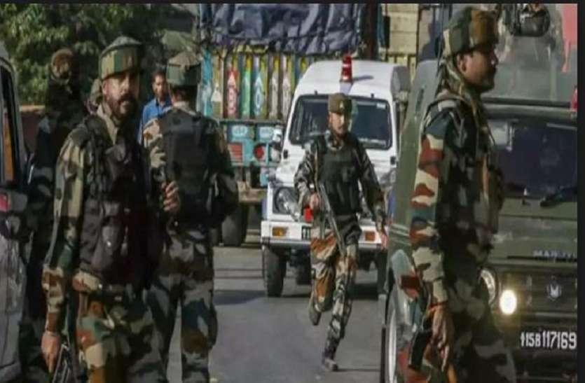 जम्मू-कश्मीरः अवंतीपुरा मुठभेड़ में सुरक्षा बलों ने ढेर किए तीन आतंकी, नौशेरा में घायल जवान शहीद