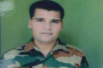 पुलवामा एनकाउंटर: पिता को शहीद बेटे पर फक्र, बोले- मेरे बेटे ने लिया पुलवामा में शहीद हुए अपने साथियों का बदला