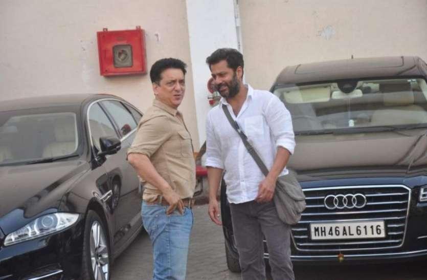 अक्षय को बनाया ब्लॉकबस्टर और सलमान को दिलाई 200 करोड़ की फिल्म, जानें कैसी कारों में चलता है ये शख्स