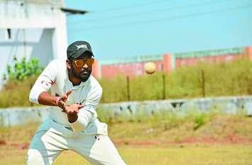 छत्तीसगढ़ का सबसे तेज शतक बनाने वाला क्रिकेटर बना वेद, 10 छक्के लगाकर बॉलरों को किया पश्त