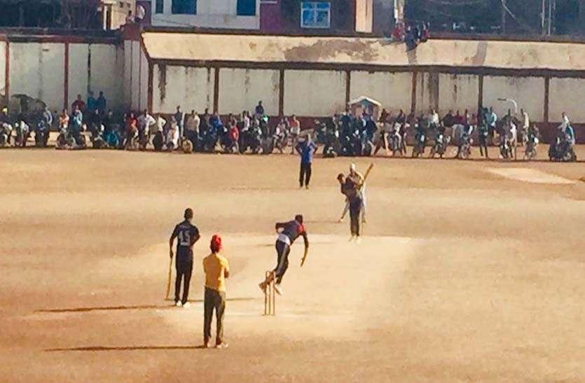 पांच हजार लोगों ने मोबाइल पर देखा अशोकनगर के क्रिकेट मैच का लाइव अपडेट